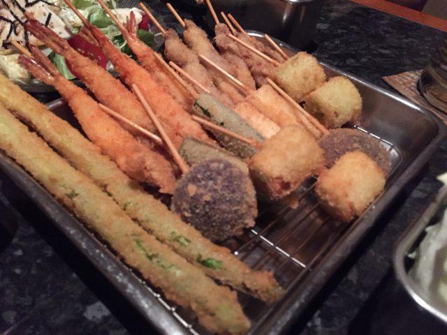 タニヤの老舗居酒屋酒の店の串揚げ屋さんは安くて美味しくて個室もアリ